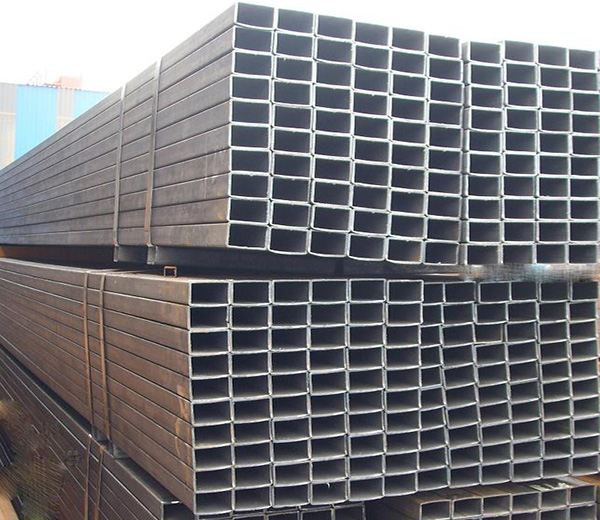 Rectangular steel tube